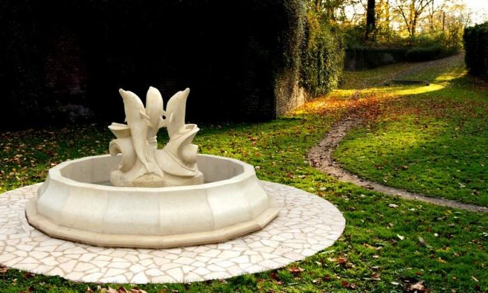 fontana pietra bianca leccese