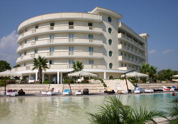 GRAND-HOTEL-DEI-CAVALIERI-1